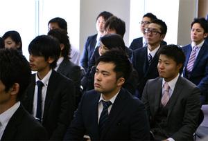 2013年度入社式社員達の顔ぶれ